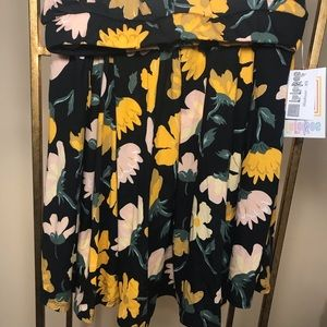 XS Black and Floral Lularoe Madison Skirt NWT